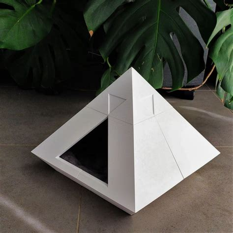 Download 3D printer files Pyramid Cat House ・ Cults