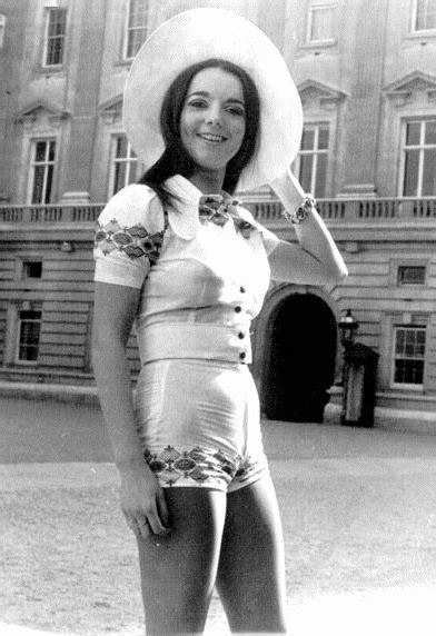 Hot Pants anni 70 • Short-shorts girls of years 70's