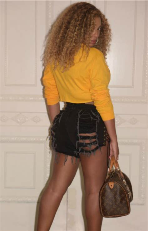 Beyonce Flaunts Her Post-Baby Bod and Belly Button Ring