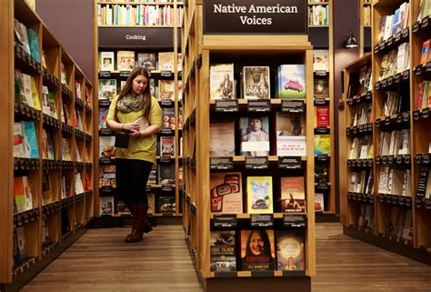 Amazon opening its first real bookstore — at U-Village