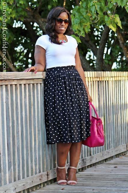 Skirts and Tee Shirts - Curves and Confidence